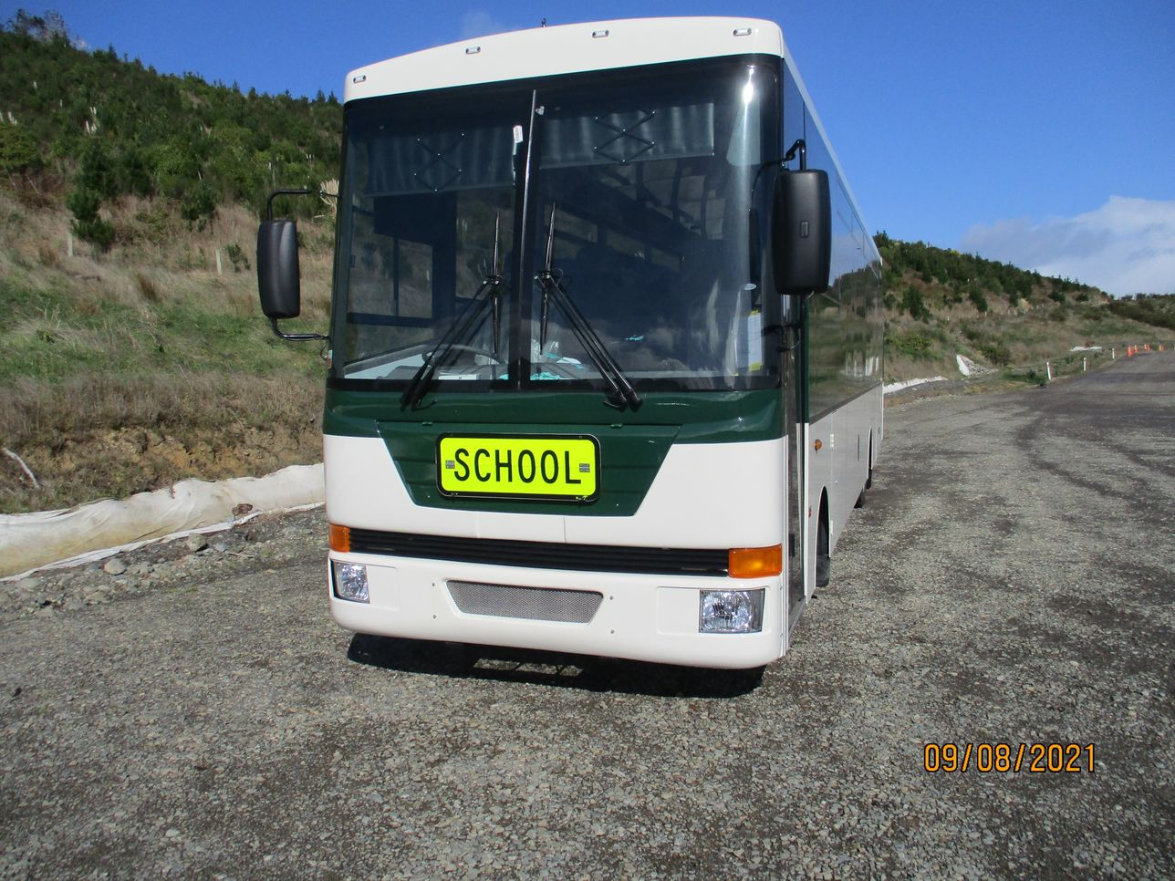 3903-Pickering-Bus_Outside-Left-Front_CoachworkCentral.co.nz